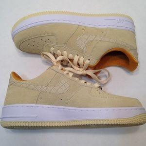 Nike Womens Air Force 1s Lemon Drop
